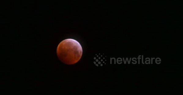 Spectacular time-lapse shows super blood wolf moon lighting up the sky in Scotland