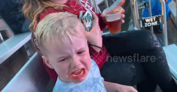 US toddler sobs after getting soaked by killer whale at Sea World in San Diego