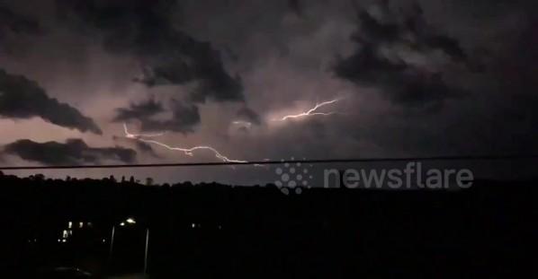 Stunning lightning storm caught streaking across Kent's skyline