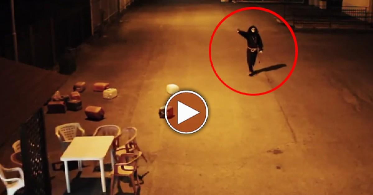 Pegadinha: O ataque do monge com poderes de telecinésia - Mundo Nerd