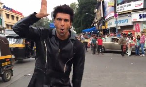 Ranveer Singh Shakes His Booty On A Busy Street Of Mumbai