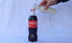 This Is What Happens When You Mix Coca Cola and Milk