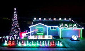 This Star Wars Christmas Light Show Is The Greatest Thing We Have Ever Seen