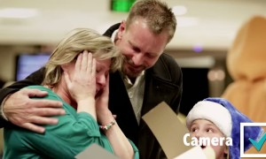 An Airline Brings Its Passengers To Tears All In The Spirit Of Christmas