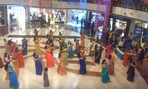 You just can't ignore this Flash mob of Ladies in Sarees