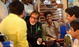 Watch Big B Amitabh Bachchan travels in Mumbai local train, sings for commuters