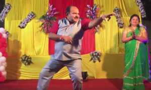 This man dancing to Govinda tunes is the best thing you will see today!