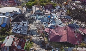 Aerial footage shows houses flattened, piles of debris littered on earthquake-stricken Indonesia island