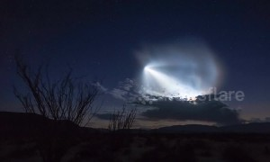Incredible timelapse shows SpaceX launch in desert