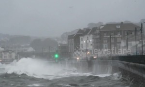 High tide batters promenade in Penzance