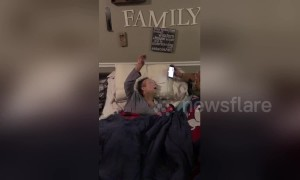 US mother with terminal cancer uses all her energy to raise arm for worship song