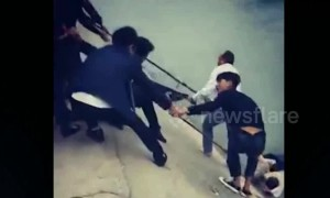 Passersby form human chain to rescue drowning girl