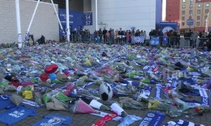 Leicester City fans pay tribute to owner Vichai Srivaddhanaprabha