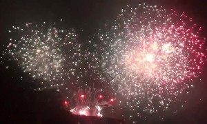 Incredible fireworks as Westfield shopping centre celebrates 10 year anniversary