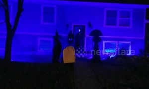 Residents convert home into mini haunted house for trick-or-treaters