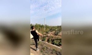 Retired Chinese soldier shows off incredible throwing skills with epic trickshots