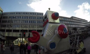 Giants robots take to streets of London for Lord Mayor's Show