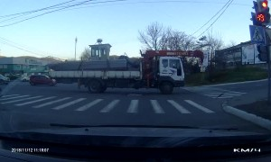 Truck Breaks and Pulls Traffic Lights Down