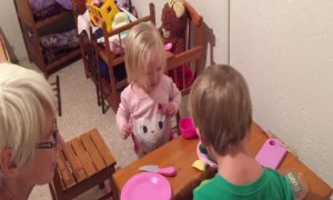 Grandma has Little Girl Cracking up with Funny Puppet!