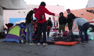 Honduras migrants set up camp near US-Mexico border