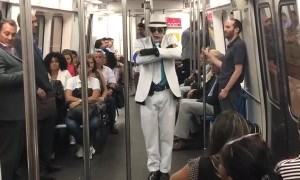 Smooth Criminal Spotted on the Rio Subway