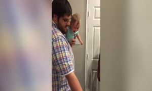 You Won't Believe what this Baby is Cracking up About!