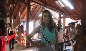 Miss Universe contestants visit Buddhist temple in Thailand