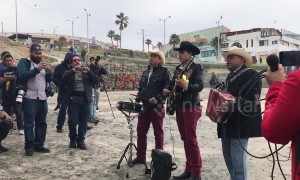 Mariachi band spreads music amid chaos, arrests at San Diego migrant rights demonstration