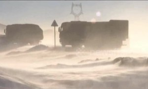 Immense blizzard leaves 200 trucks stranded on Chinese highway