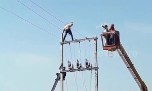 Mentally ill youth climbs transformer and has to be rescued in central India