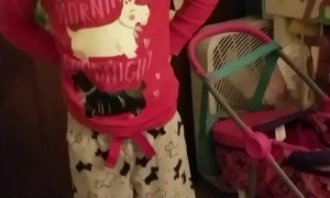 Elf on the Shelf Surprises Little Girl