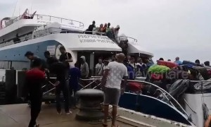 Hundreds of tourists flee Thai island as storm Pabuk approaches