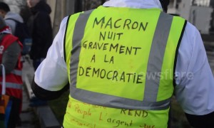 Yellow Vests protest ahead of Macron visit to Paris suburb