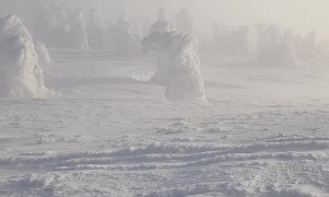 Sensational Winter Views from Romanian Mountain
