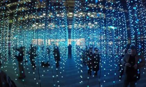 Stunning Winter Lights Festival illuminates Canary Wharf