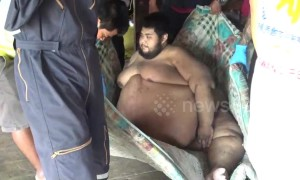 700 pound man who gorged on seafood and ice cream for two decades is rescued from his house