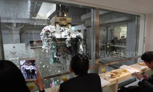 Rubbish atmosphere: bar opens in Tokyo refuse collection centre