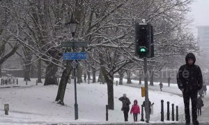 Heavy snow falls in Bristol