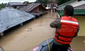 Teams rescue residents hit by severe flash floods in Indonesia