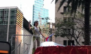 Miss Universe 2018 greeted by fans at homecoming parade in Philippines