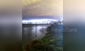 Stunning timelapse shows crazy California lightning storm