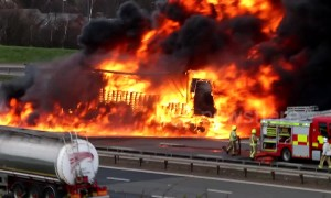 M1 near Leeds closed after huge lorry fire