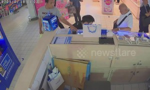 Opportunistic thief steals brand new iPhone while owner chats with shop customer