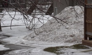 Ice jams force evacuation of 200 people in Ontario after spring flooding