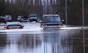 Castleford motorists abandon cars as rivers across UK burst their banks