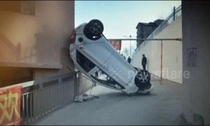 Drunk driver drives car off 13-foot-high road in Inner Mongolia