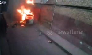 Minibus transporting gas cylinders explodes on Chinese street, killing one