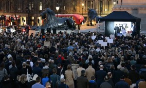 Londoners attend vigil in Trafalgar Square to pay tribute to victims of Christchurch attacks one week on