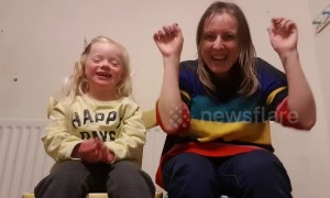 Mum and cute 4-year-old daughter with down syndrome sign 'happy' in Makaton