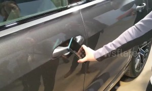 """You're not holding it right!"" New €100,000 car has trouble unlocking using smartphone"